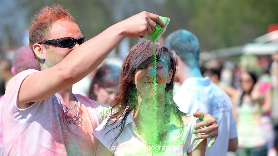 Sonne , Farbe und coole Beats - Holi in Halle (4/6)