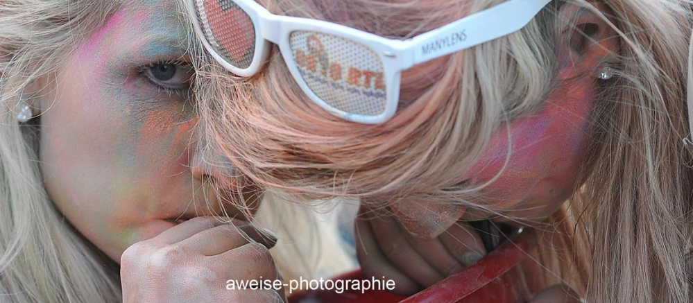 Sonne , Farbe und coole Beats - Holi in Halle (2/6)