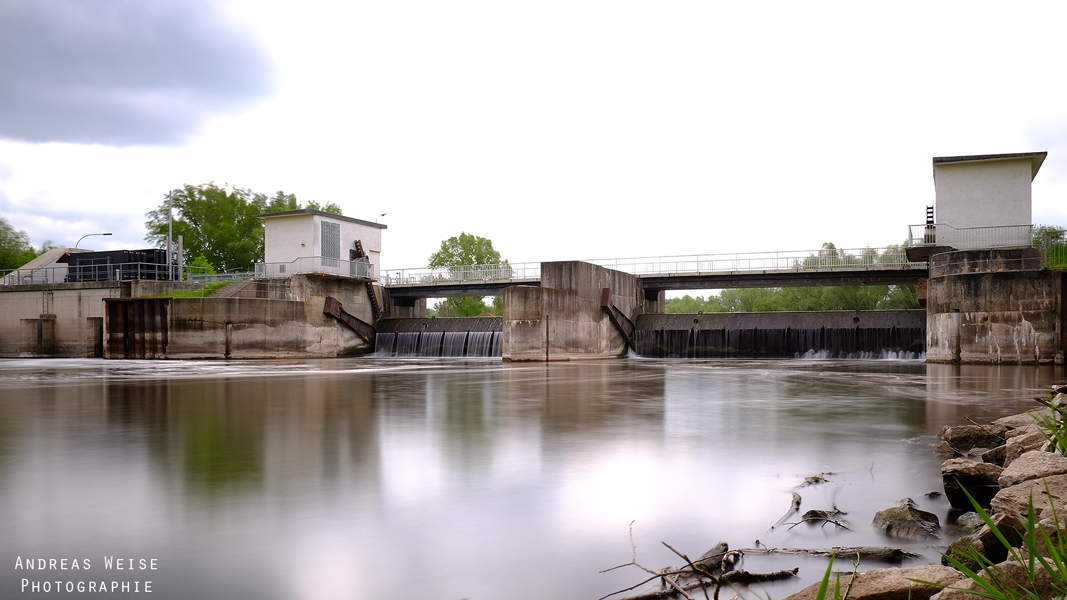 Saalewehr und Wasserkraftwerk Planena