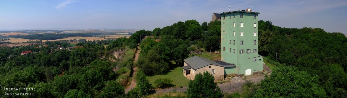 Blick vom Bismarckturm auf den Petersberg