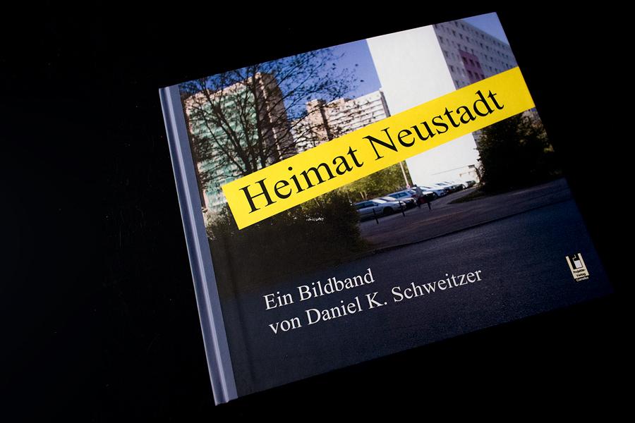 """Buch """"Heimat Neustadt"""" von Daniel Schweitzer"""