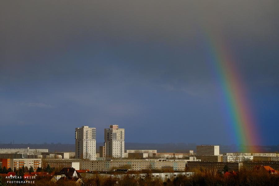 Regenbogen über Halle