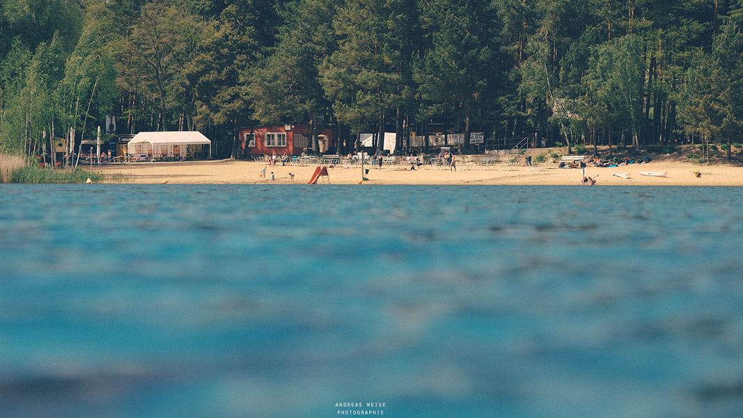 Heidebad , fotografiert knapp über dem Wasser
