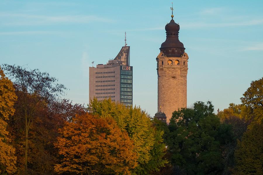 Uniriese und Neues Rathaus